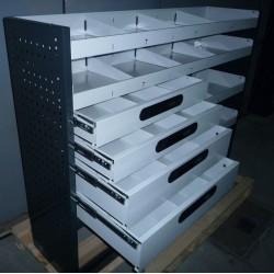 Accesorio modular para equipamiento de furgonetas y furgones